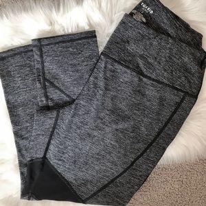 Torrid Active Legging || black and white || Size 2